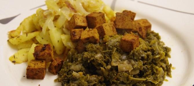 Grünkohl mit Bratkartoffeln und Tofustückchen