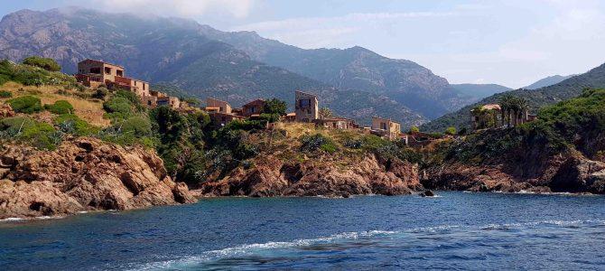 Korsikas Weltnaturerbe: Eine Bootstour nach La Scandola und ins Fischerdörfchen Girolata