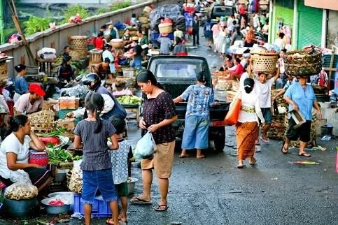 Bauernmarkt in Denpasar, Hauptstadt der indonesischen Insel Bali. Analysten sehen in dem Land viel Potenzial Bauernmarkt in Denpasar, Hauptstadt der indonesischen Insel Bali. Analysten sehen in dem Land viel Potenzial Bauernmarkt in Denpasar, Hauptstadt der indonesischen Insel Bali. Analysten sehen in dem Land viel Potenzial Foto: picture-alliance/ ZB/dpa-Zentralbild Foto-Quelle: welt.de