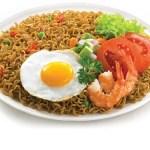 Indonesisches Rezept: Mie Goreng (gebratene Nudeln)