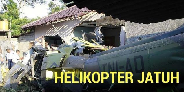 Hubschrauber stürzt auf Wohngebiet / Screenshot: Kompas.com