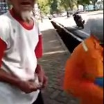 94 jähriges Raubopfer erhält Unterstützung aus dem Internet