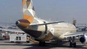 Totes Baby auf Flugzeugtoilette gefunden