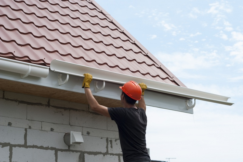 Why Should You Replace Your Gutters During Summer?