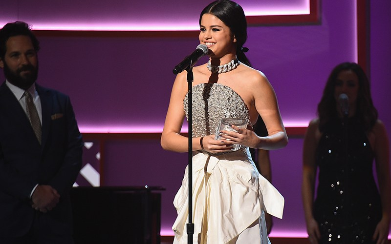 Selena Gomez takes home Billboard 's Chart Topper of the Year