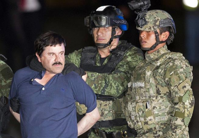 El Chapo 's Wife Gives First Interview