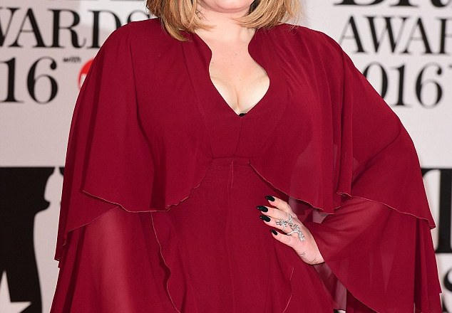 Adele sends hotel staff on wild adventure for particular pizza