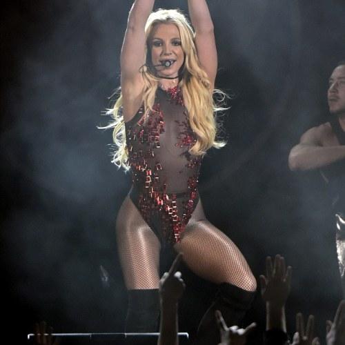 PHOTOS: Britney Spears rocks the Jingle Ball Bash in Illinois