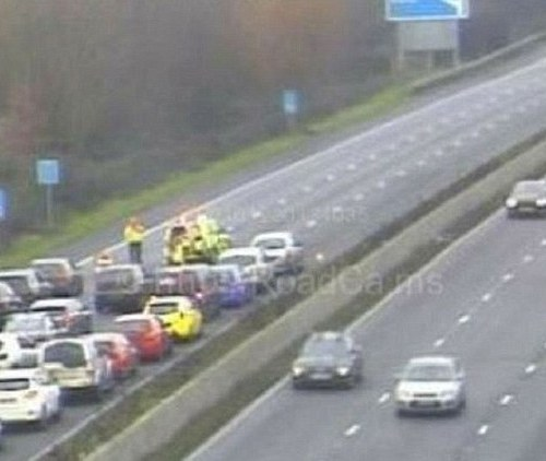 After girl falls off M5,  police launch hunt for cyclist