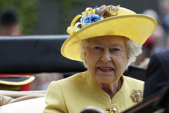 HOT TODAY:  Prince Phillip arrives at Sandringham without Queen Elizabeth