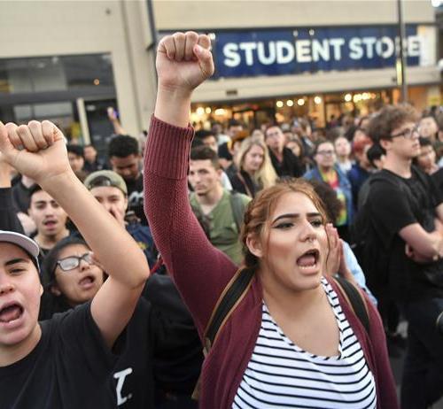 U.C Berkeley erupts in protests as former fascist Breitbart guy speaks at college