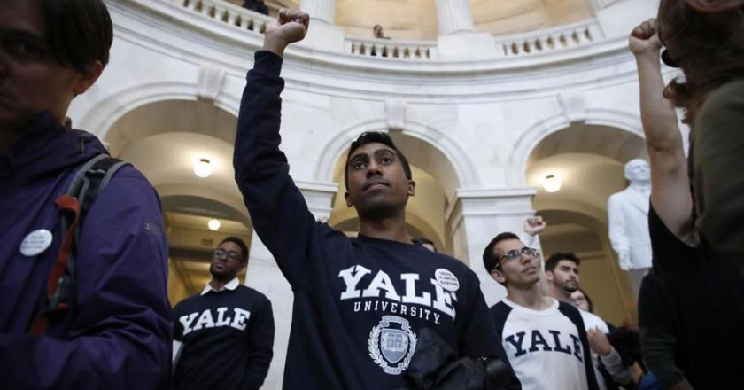 Mass protests erupt across America against Brett Kavanaugh
