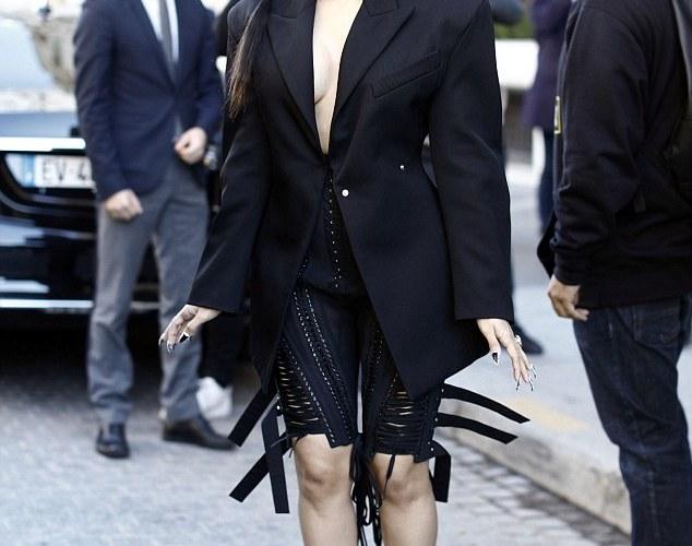 Photos of the Week: Cardi B in Paris for Paris Fashion Week
