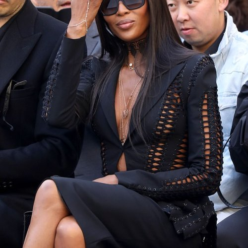 Hot Pics: Naomi Campbell stuns at L'Oreal Paris runway show