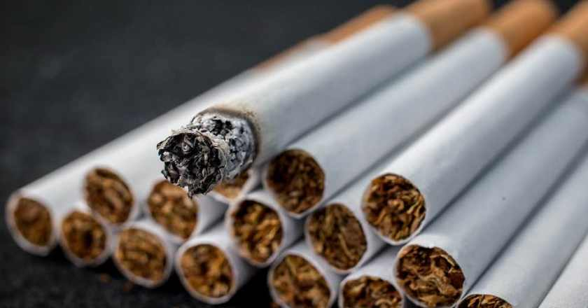 U.S to ban the sale of tobacco products to anyone under the age of 21: Reports