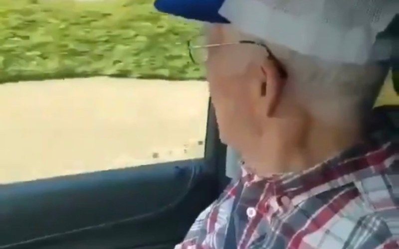 Laugh of the Day: An old man's admiration of a passerby goes viral