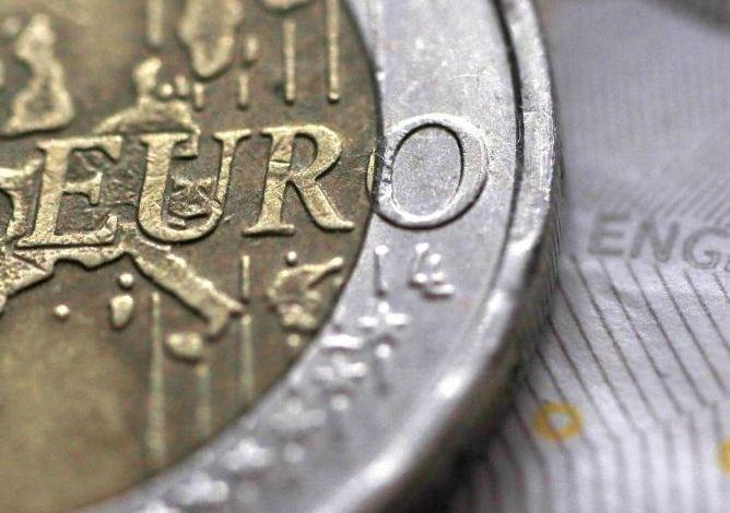 Euro zone investor morale improves in August but recovery sluggish - Sentix 1