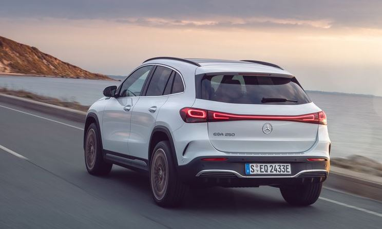 Mercedes unveils electric compact SUV in Europe 1