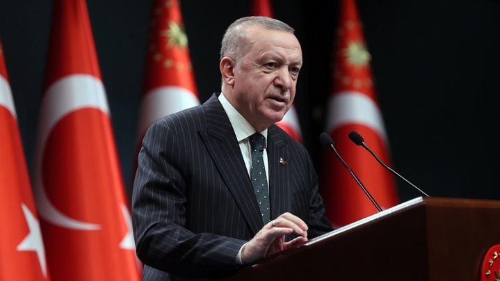 Turkey declares partial lockdown during Ramadan 1