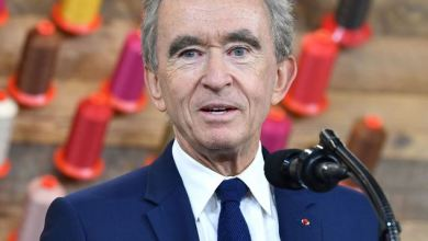 LVMH's Bernard Arnault Briefly Surpasses Jeff Bezos As Forbes' Richest Person in the World 7