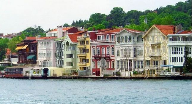 Rental house prices increased most along shores of Istanbul's Bosphorus 1