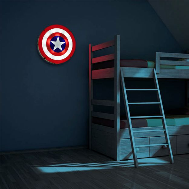 Captain-America-Shield-Light-Up-Wall-Art-02