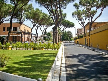 Piazza Mileto 06