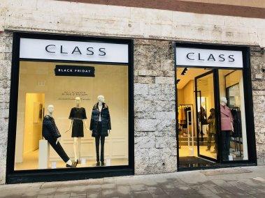 negozio abbigliamento Class vista su strada