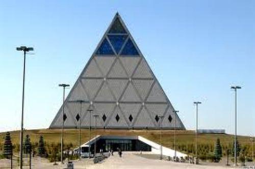 pyramida.jpg