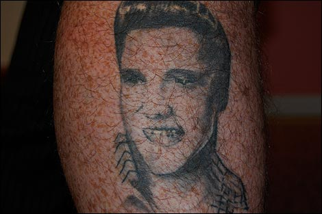 Celebrity tattoos:Picture of elvis Tattoo on right leg tattoo