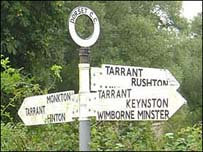 https://i2.wp.com/www.bbc.co.uk/dorset/content/images/2006/12/29/tarrant_sign_203x152.jpg