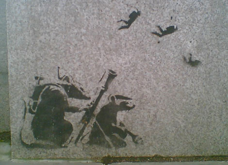 https://i2.wp.com/www.bbc.co.uk/london/content/images/2007/03/13/banksy_parliament_470x340.jpg