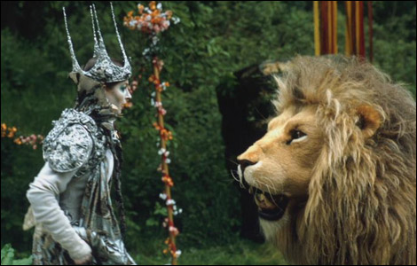 White Witch and Aslan (original Narnia)