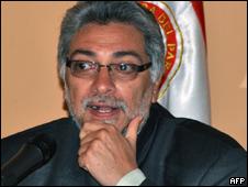 O presidente do Paraguai, Fernando Lugo, durante entrevista coletiva nesta segunda-feira (AFP)