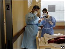 Personal médico en un hospital de Montevideo, Uruguay