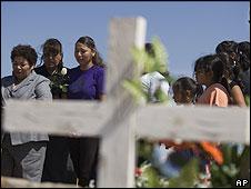 Entierro de una mujer en Ciudad Juárez