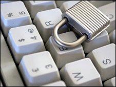 Un teclado con un candado