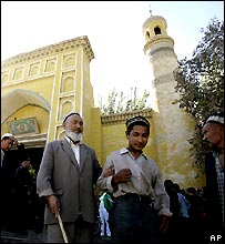 Kegiatan warga Uighur di masjid dibatasi