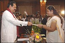 மட்டக்களப்பு நகர மேயராக பதவியேற்ற சிவகீதா