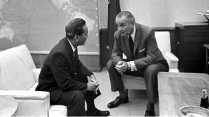 Tổng thống VNCH Nguyễn Văn Thiệu và Tổng thống Mỹ Johnson tại Đại bản doanh Thái Bình Dương của Mỹ ở Honolulu ngày 19/7/1968