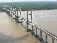 Ponte sobre o rio Orinoco