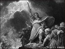 Escena de la Biblia, con Moisés ordenando el regreso de las aguas del Mar Rojo a su cauce
