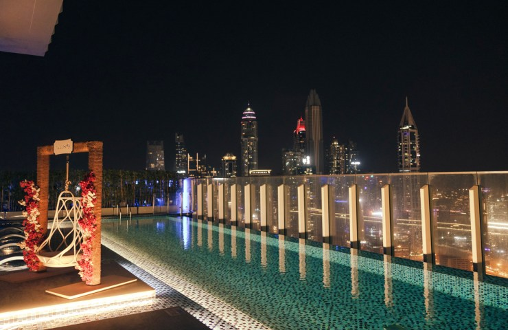 Paros, Taj Jumeirah Lakes Towers