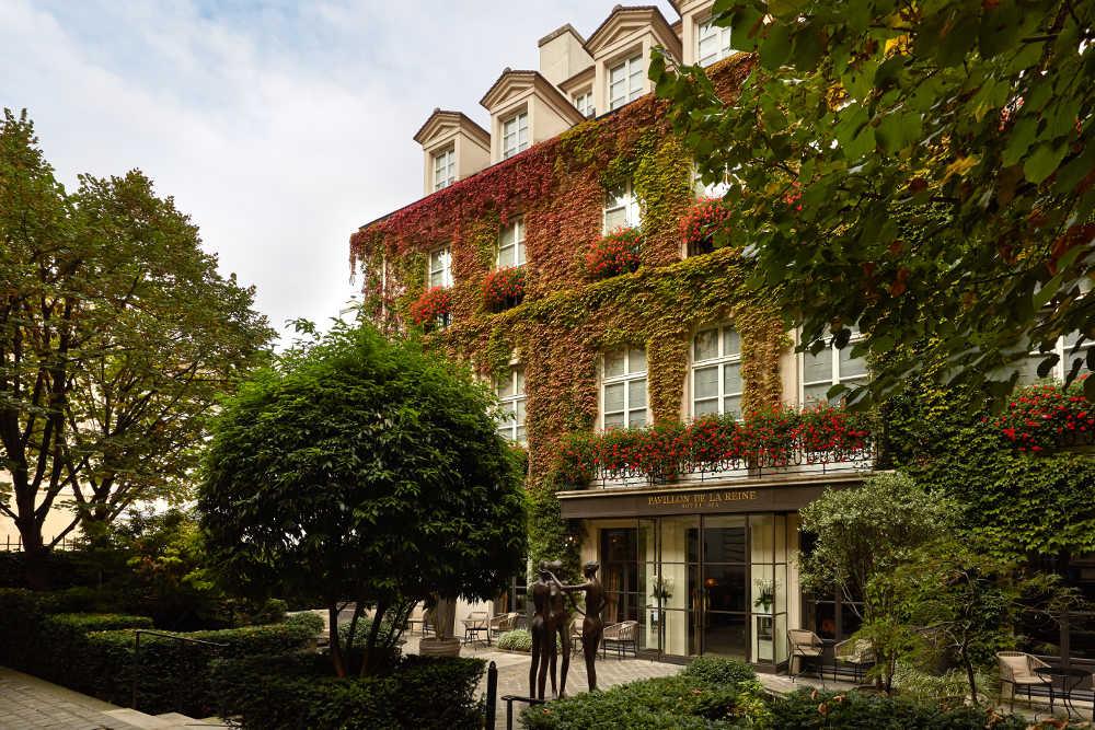 Pavillon de la Reine luxury hotel