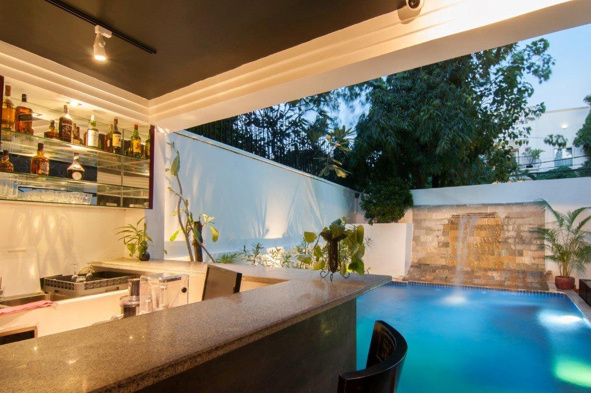larose suites phnom penh cambodia pool bar