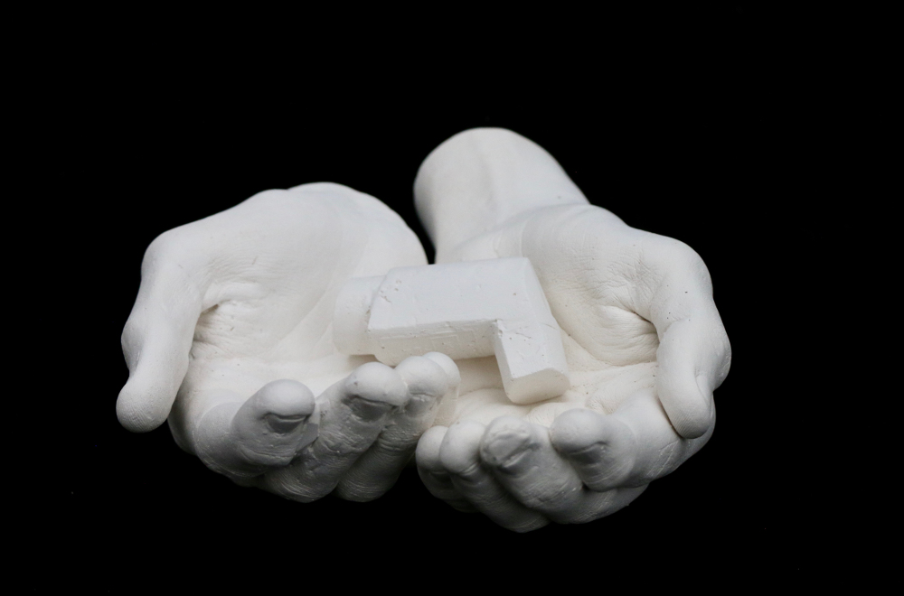 Jasmine Pradissitto famine sculpture