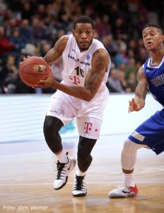 DE - Action - Telekom Baskets Bonn - Jamarr Sanders