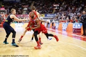 DE - Action - FC Bayern Basketball - Dru Joyce