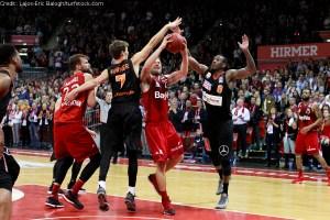 DE - Action - FC Bayern Basketball - Anton Gavel mit Zug zum Korb