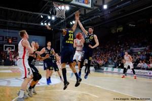 BBL - Brose Bamberg vs. ALBA BERLIN - Team - Action